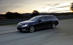 2013-E-Class-Wagon-Mercedes Benz -AMG-Exterior-front-side-view-black