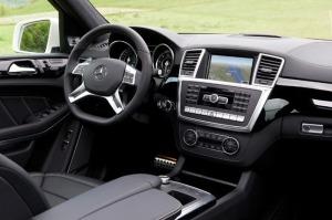 2013-Mercedes-Benz-GL-63-AMG-MEDIUM-Interior