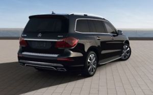 2014_Mercedes-Benz_GL550_1073633