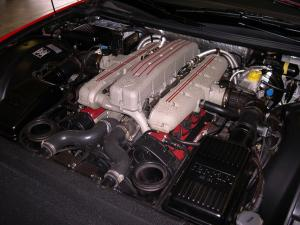 2001_Ferrari_550_engine